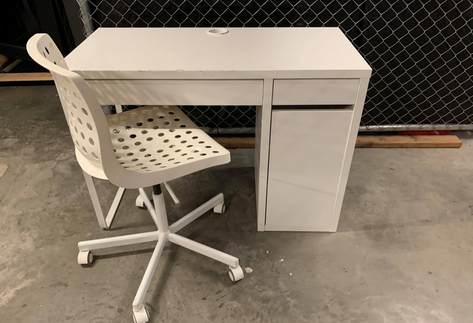 White Desk with chair